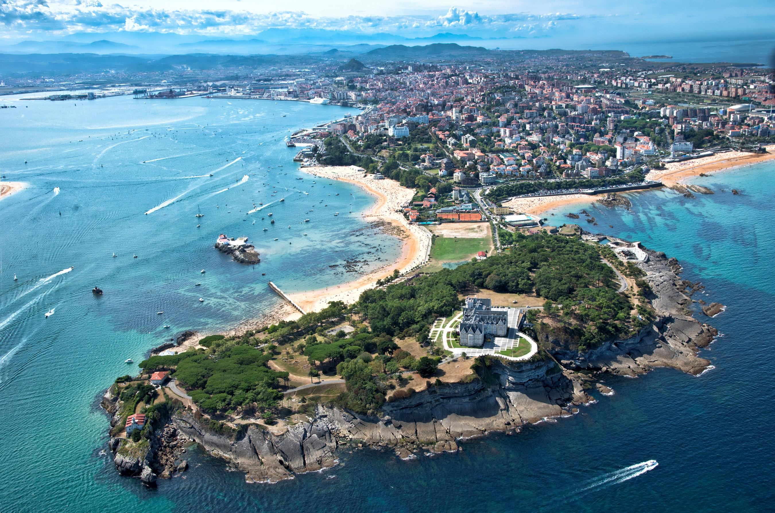 Santander Y El Faro Del Caballo 17 18